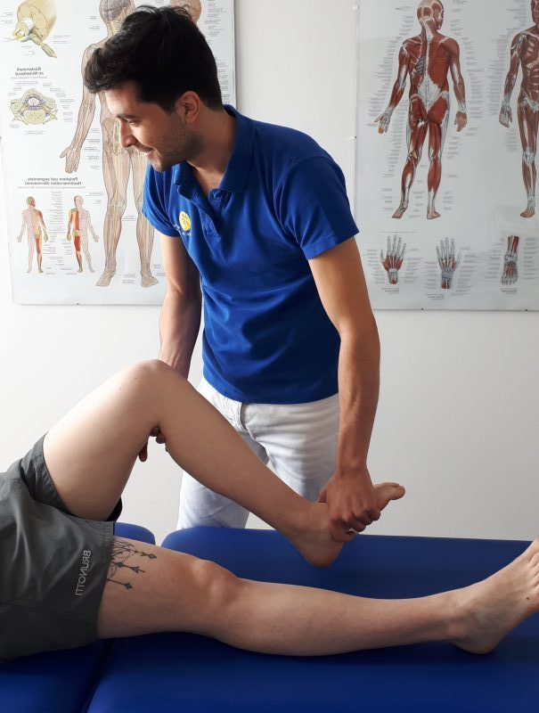 Kniebehandlung Physiotherapie